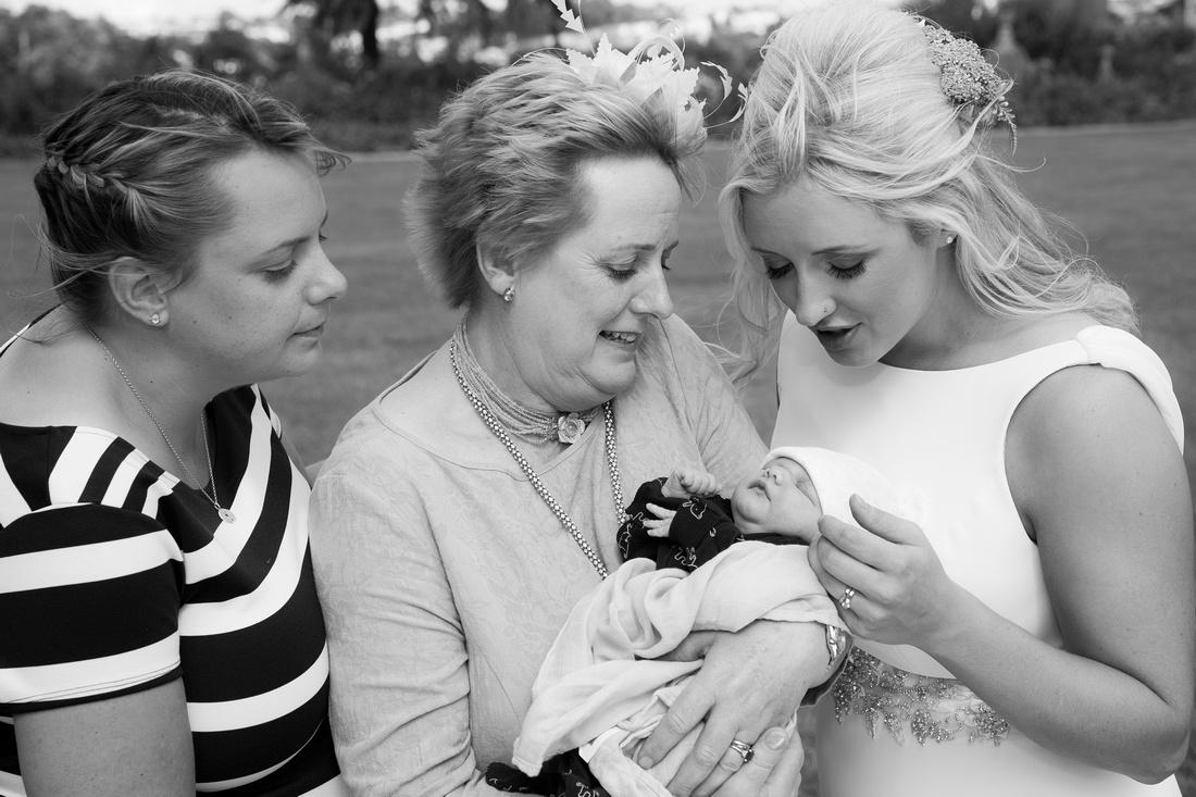 Mum, nan and auntie meet Isabella