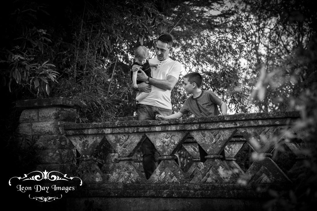 Family photo shoot at Victoria Park, Bath