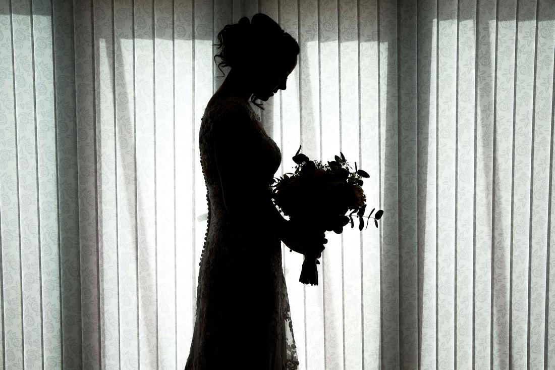 brides final moments bouquet