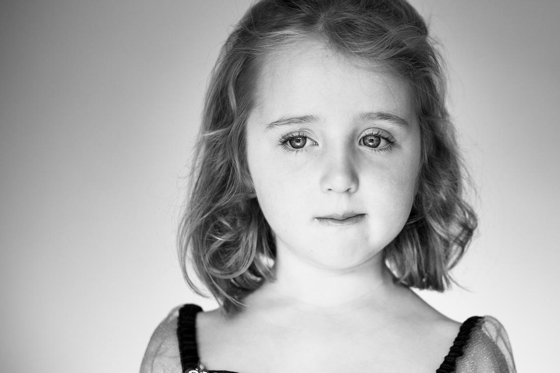 Black and white portrait of girl