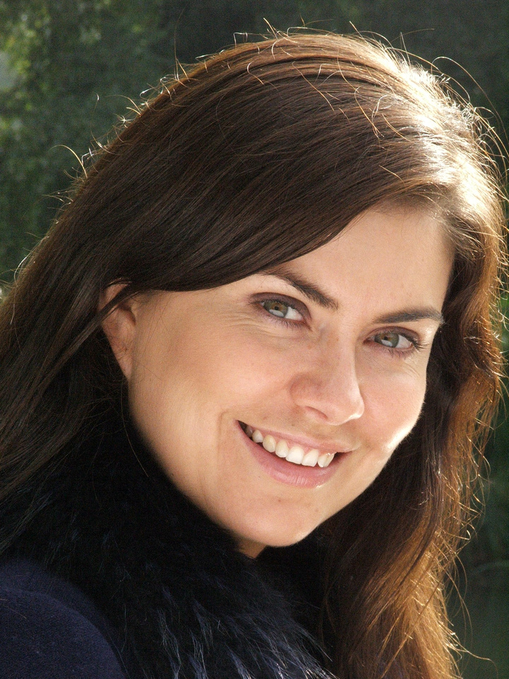 Amanda Lamb on set for on Hotshots Discovery Real Time